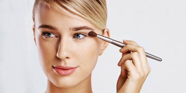 Jak si aplikovat oční stíny?